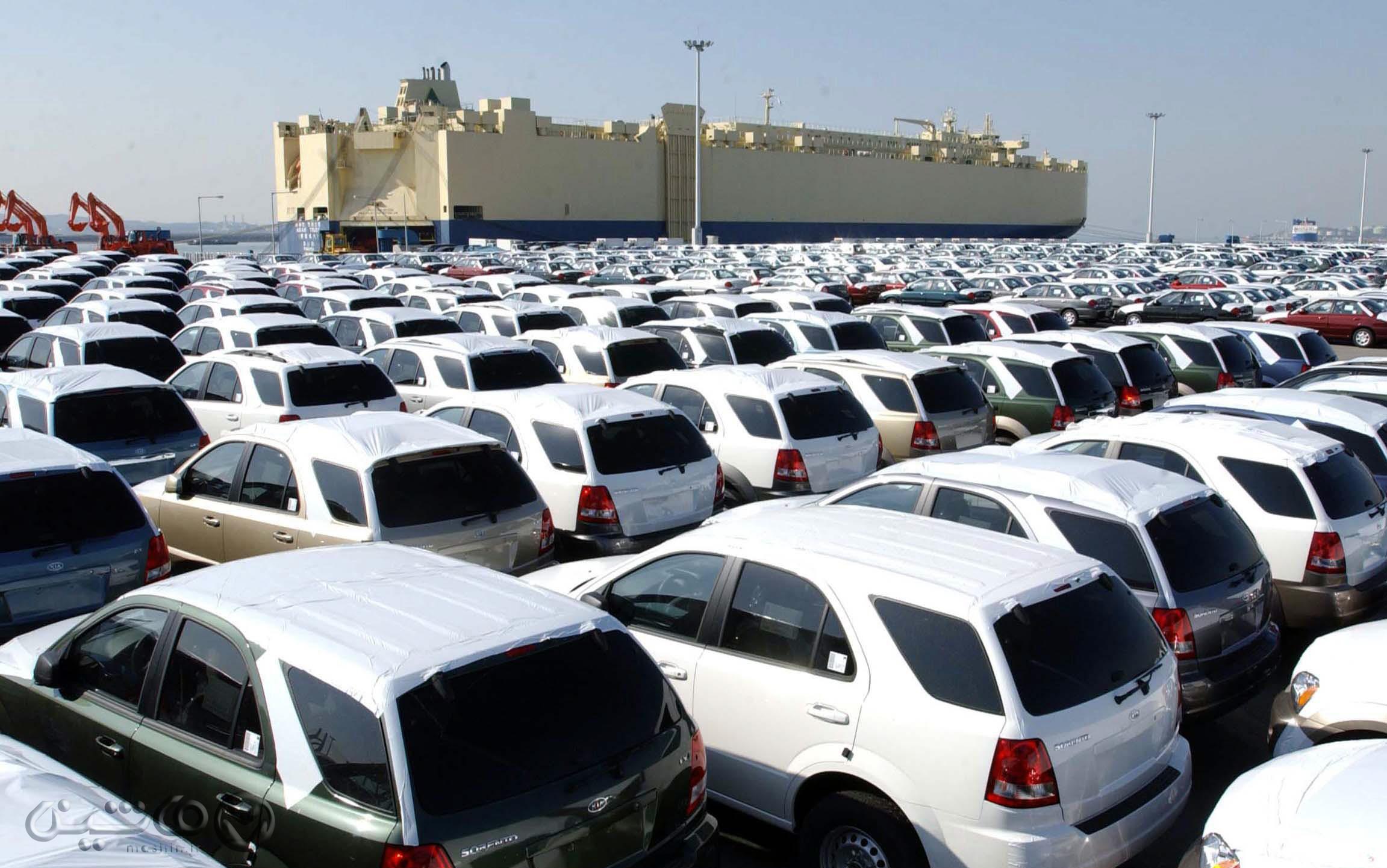 مشکلی در ترخیص خودروهای در گمرک مانده نیست/وزارت صمت پیگیری کند