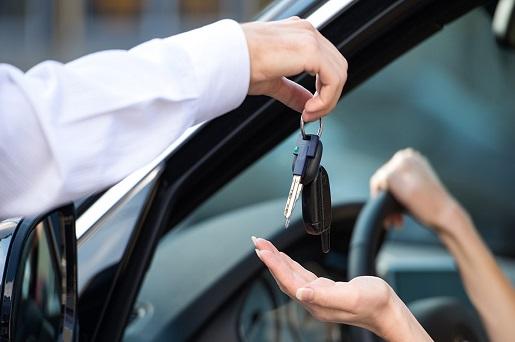 شدت گرفتن کلاهبرداری های شرکت های پیش فروش غیرمجاز / استارت شرکت های جدید خودرویی در اوج چالش های واردات