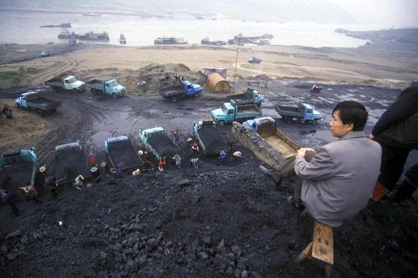 ۲۱ معدنچی چینی در انتظار نیروهای نجات